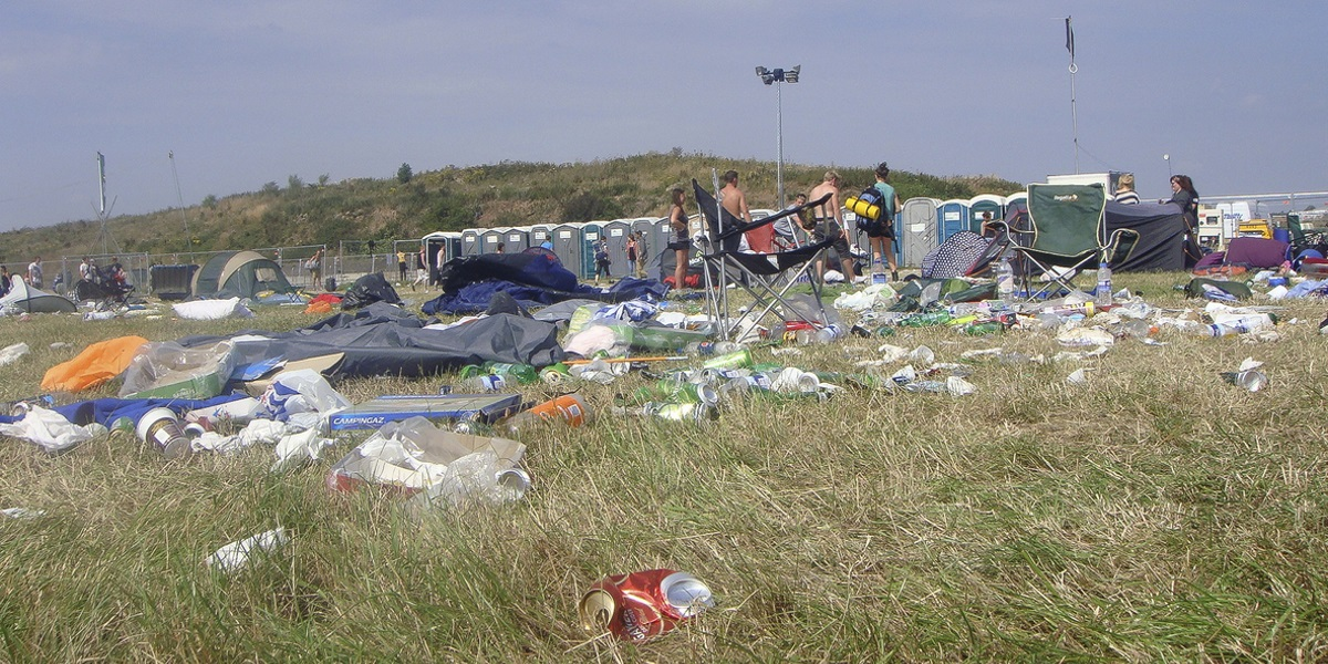 rubbish at festival
