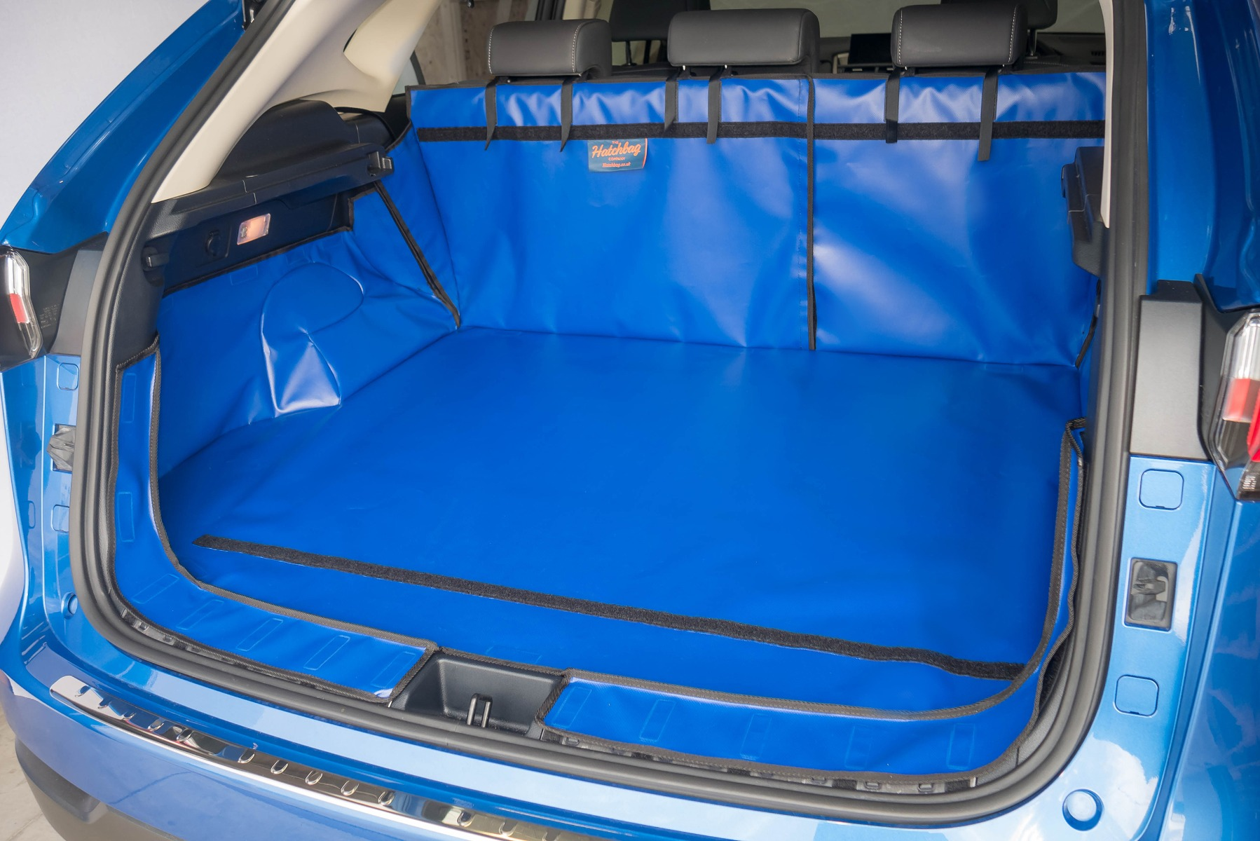 Hatchbag boot liner in blue